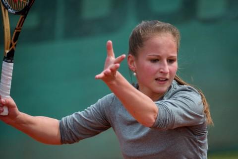 Сколько сжигается калорий при игре в большой теннис?